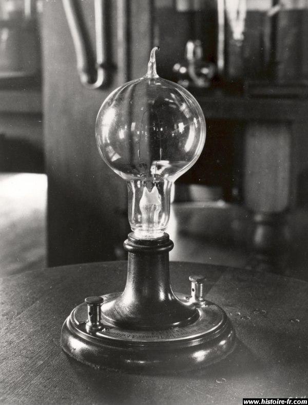 Thomas Edison A Invente L Ampoule Electrique
