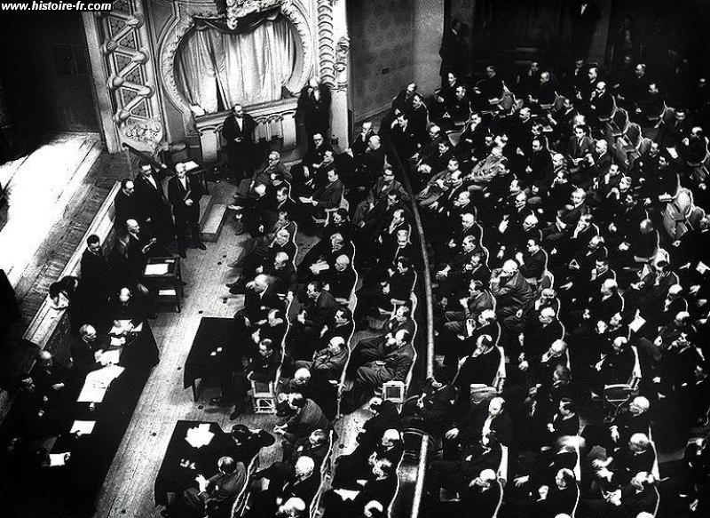 http://www.histoire-fr.com/images/opera_vichy_juillet_1940.jpg