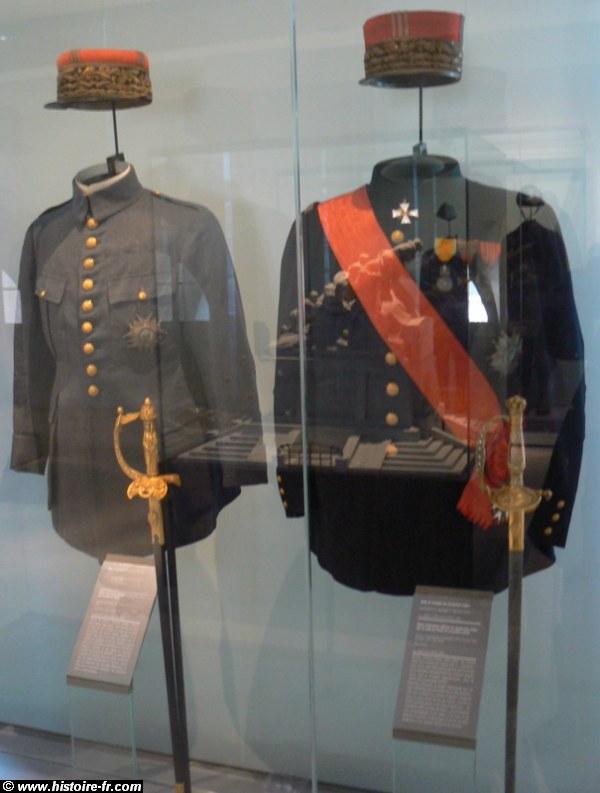 tenu brigadier cavalerie lourde 1900